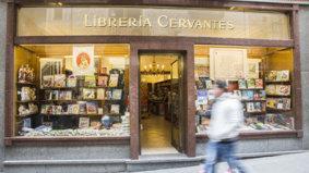 Entrada a la librería cervantes en segovia