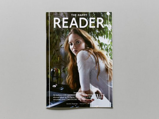 Lily Cole es portada del último número de The Happy Reader